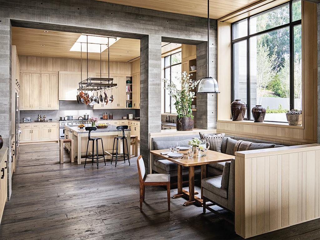 de casa de campo onde a mesa fica literalmente no meio da cozinha #846A47 1024 768