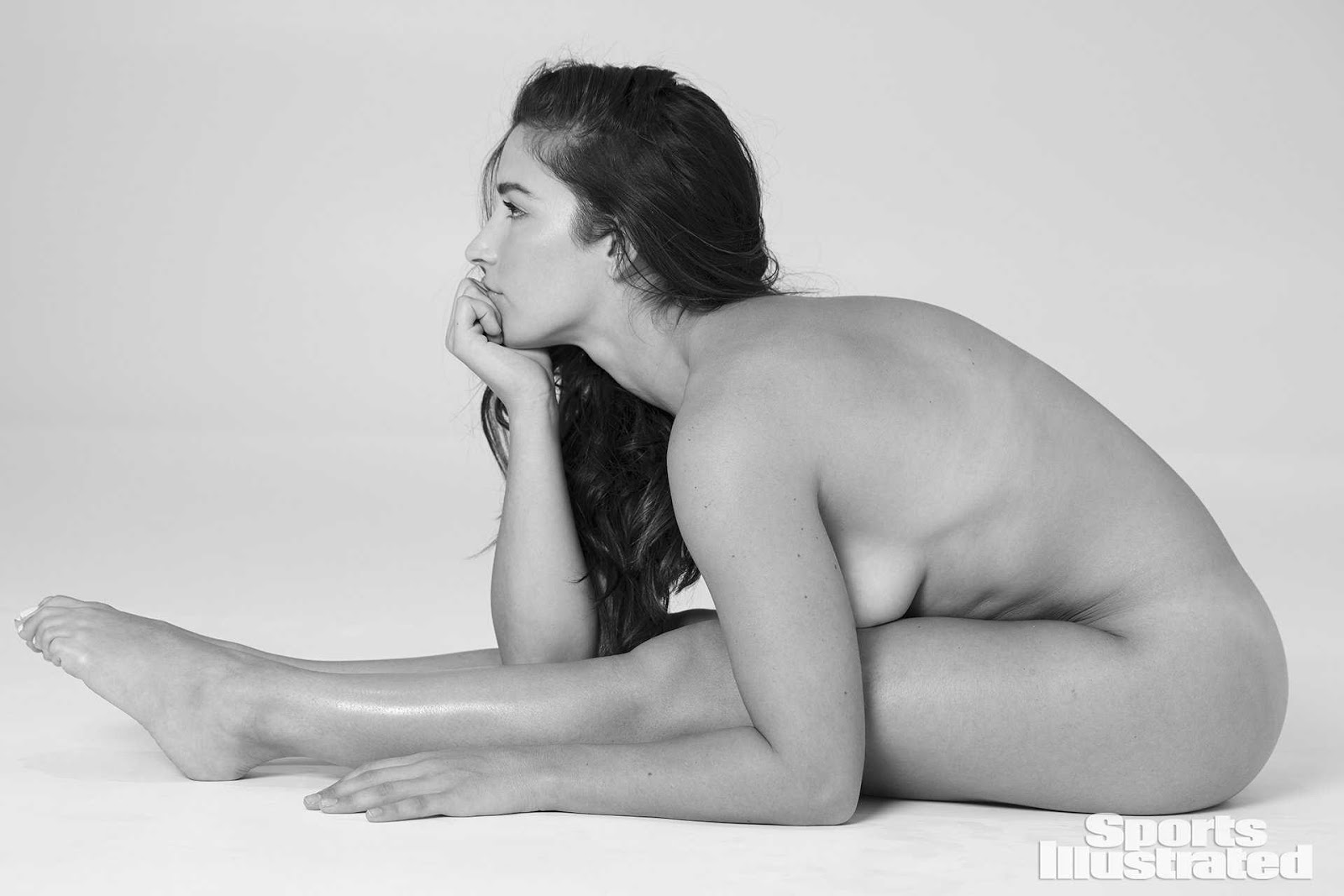 Aly Raisman – Sports Illustrated Swimsuit Issue Photoshoot 2018