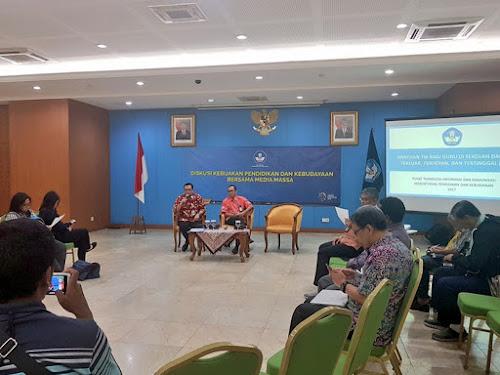 Akses TIK di sekolah Indonesia
