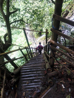 trekking ke coban sewu
