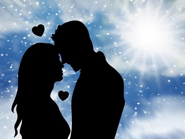 Kühlt sich Ihre Romanze mit diesem besonderen Menschen ab? Sorgen Sie sich, dass der Funke erlischt? Suchen Sie nicht weiter. Hier sind 10 heiße Tipps, um Ihre Romantik zum Brutzeln zu bringen.