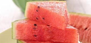 فوائد البطيخ منقوع البذور لأدرار البول والقشور لعلاج حساسية الجلد والبطيخ مقاوم للسرطان أهمها