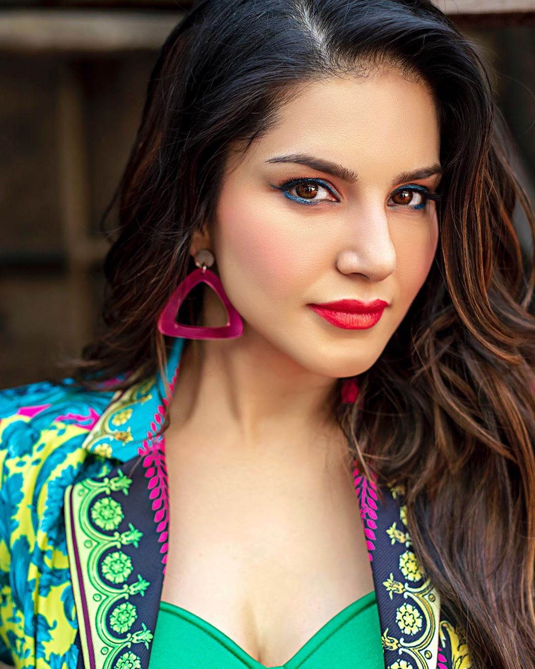 Actors Gossips: Sunny Leone Dont compare me with anyone, I feel about whats on my plate