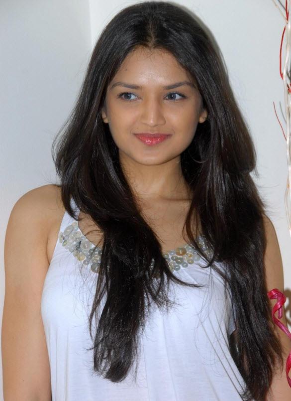INFORMATIONS: Tara Alisha Latest Hot Photo Shoot Gallery