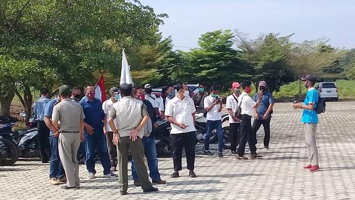 Persatuan buruh SPSI Mendatangi kantor DPRD Tubaba.
