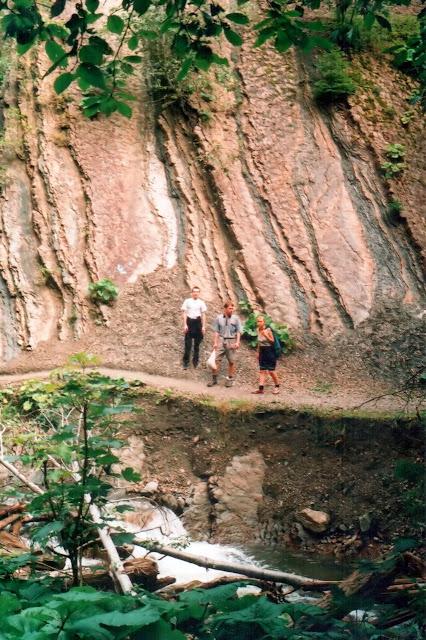 Тропа к водопаду