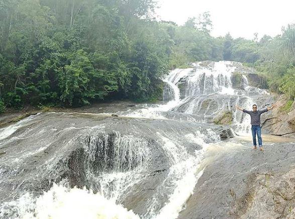 Air Terjun Sarambu Marintang