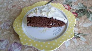 Бърза шоколадова торта с рикота и бял шоколад
