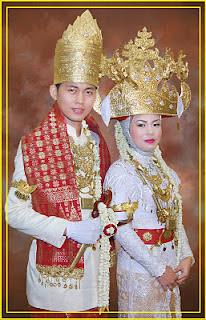 Gambar Pakaian Adat Tradisional Lampung