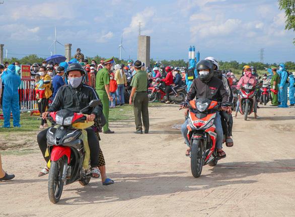 Ninh Thuận lập biên bản 1.362 trường hợp về quê, tạm giữ 679 xe máy