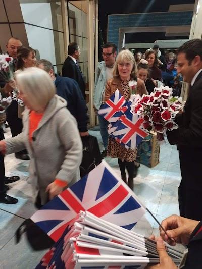 بالصور.. مصر تستقبل أولى رحلات الطيران البريطانية