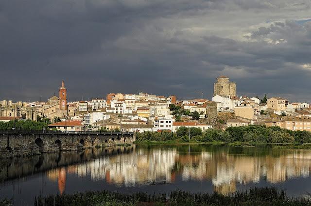 Vistas de Alba desde la orilla del río (Fuente: Skeeze Pixbay)