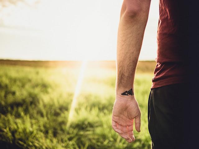 如何消除匱乏感,建立真正的自信心?