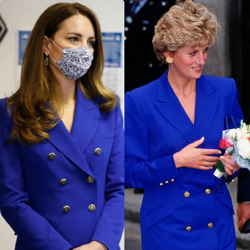 Kate Middleton usando look azul bic ou azul royal