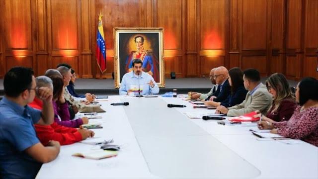 Maduro tilda de robo humanitario malversación de fondos por Guaidó
