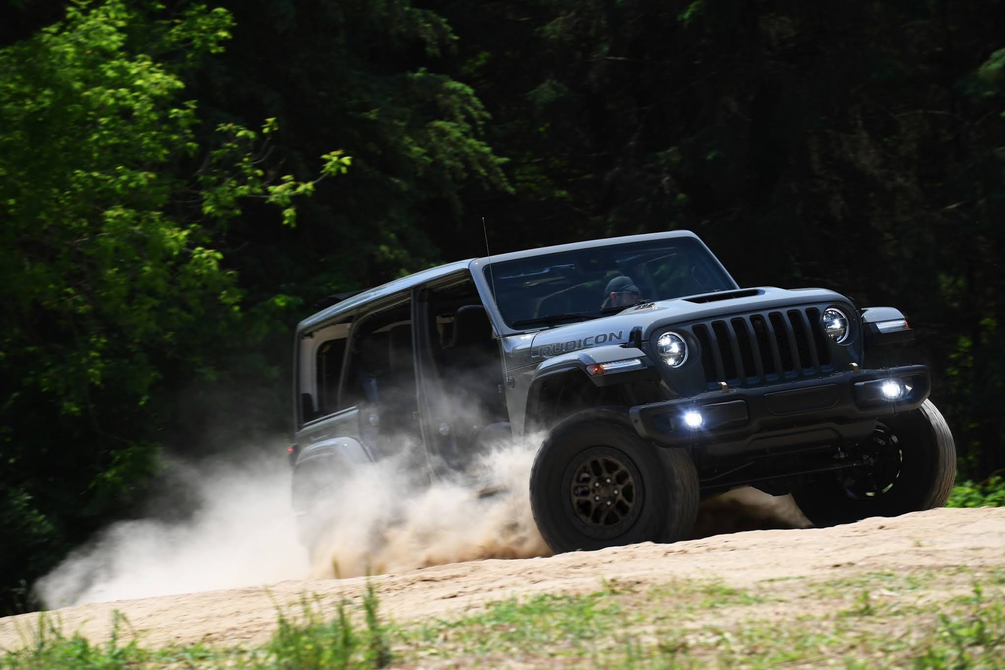 New Jeep Wrangler Xtreme Recon Package Takes 4x4 Capability to New Levels