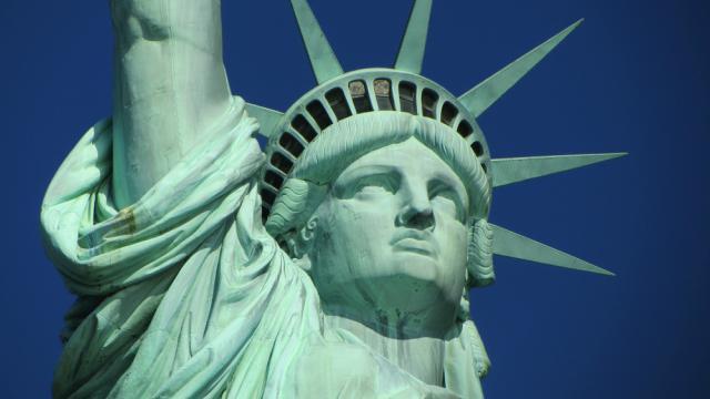 statua-della-libertà-poracci-in-viaggio