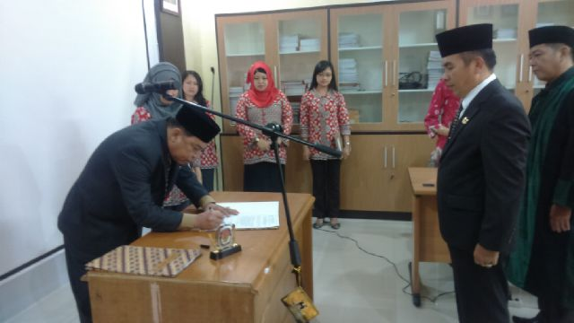 Budiharjo Resmi Jabat Sekretaris KPU Pagaralam