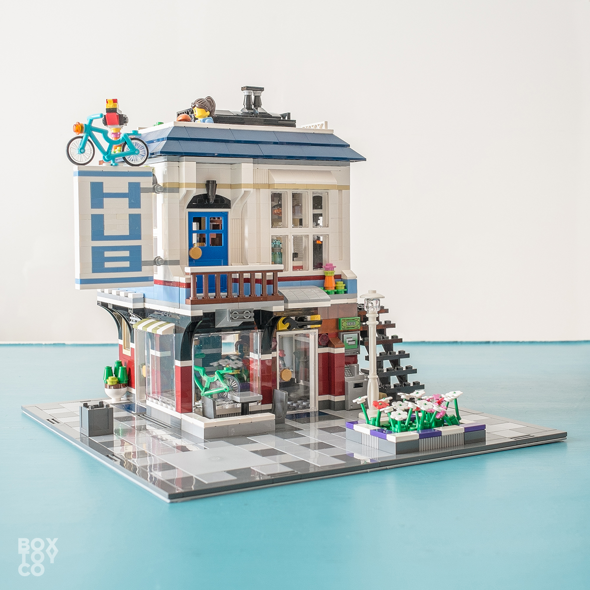 garage bike shop ideas - LEGO Bike Shop & Café Revisited [MOD]