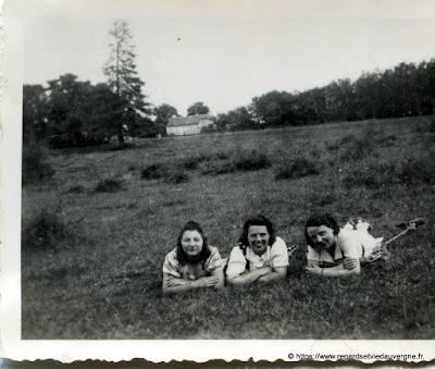 photo ancienne : les vacances dans les prés