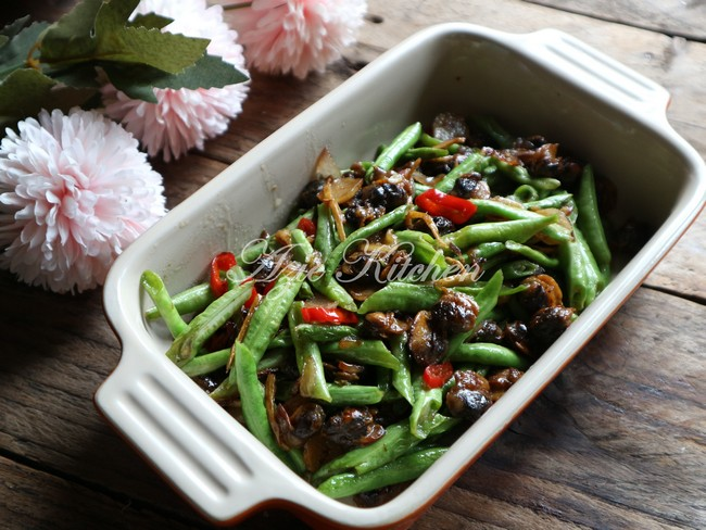 Kerang Goreng Dengan Kacang Panjang - Azie Kitchen