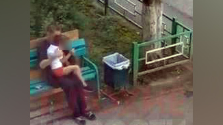Кричала и вырывалась: Камеры сняли домогательства жителя Чебоксар к пятилетней девочке прямо у её дома