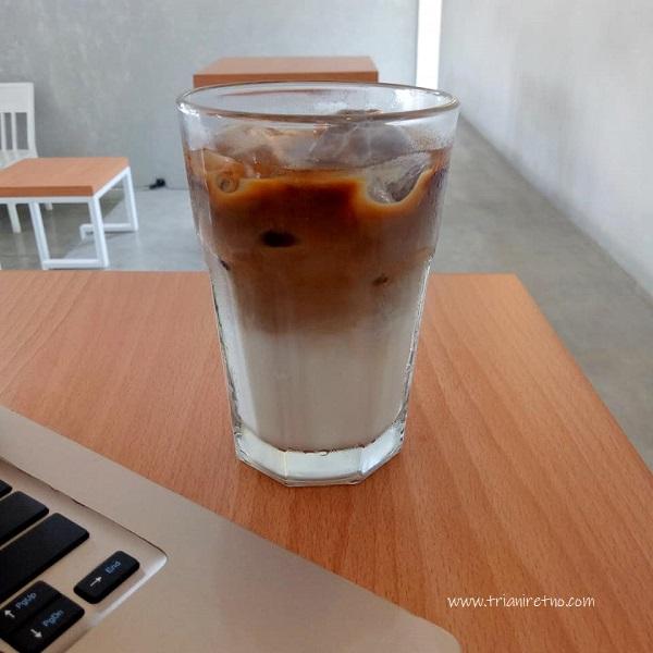 es kopi susu Bagi Kekayaan di bagi kopi tempat ngopi murah di bandung timur