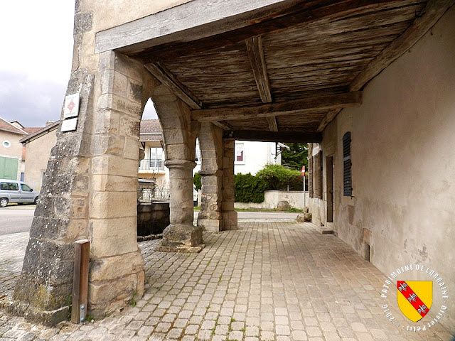 HATTONCHATEL (55) - Maison aux arcades (XVe siècle)
