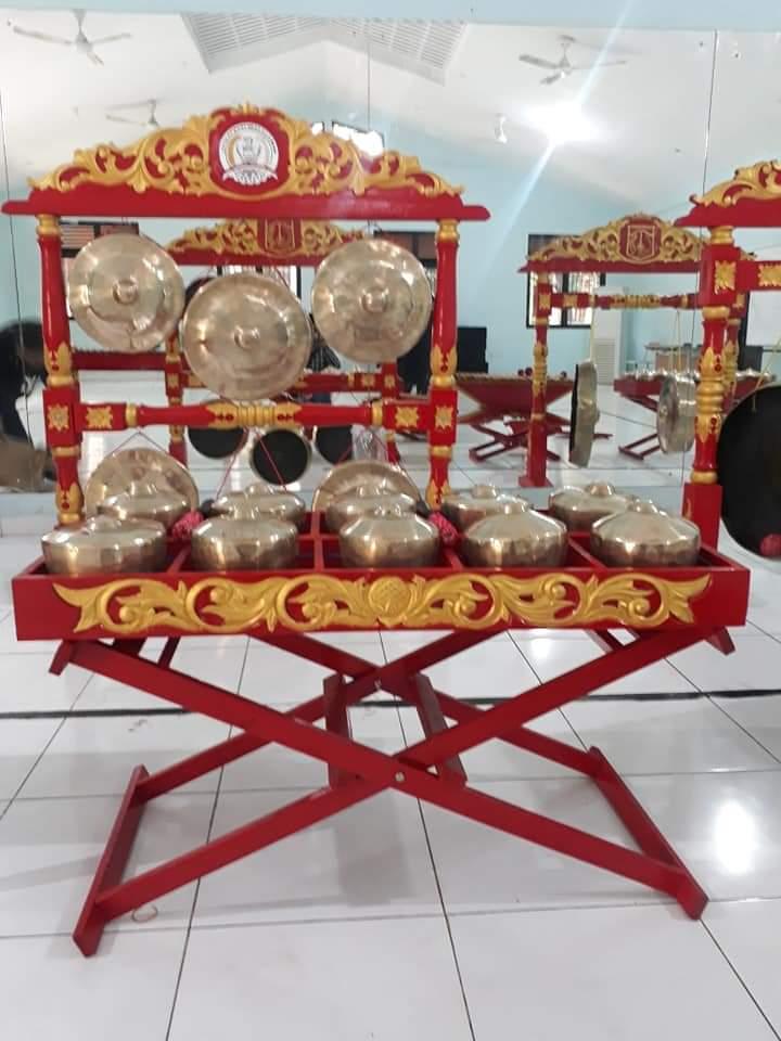 Gambar Alat Musik Gambang Kromong : gambar, musik, gambang, kromong, Ondel-Ondel, Ondel-Ondel:, Musik, Gambang, Kromong, Gamelan, Degung, Angklung