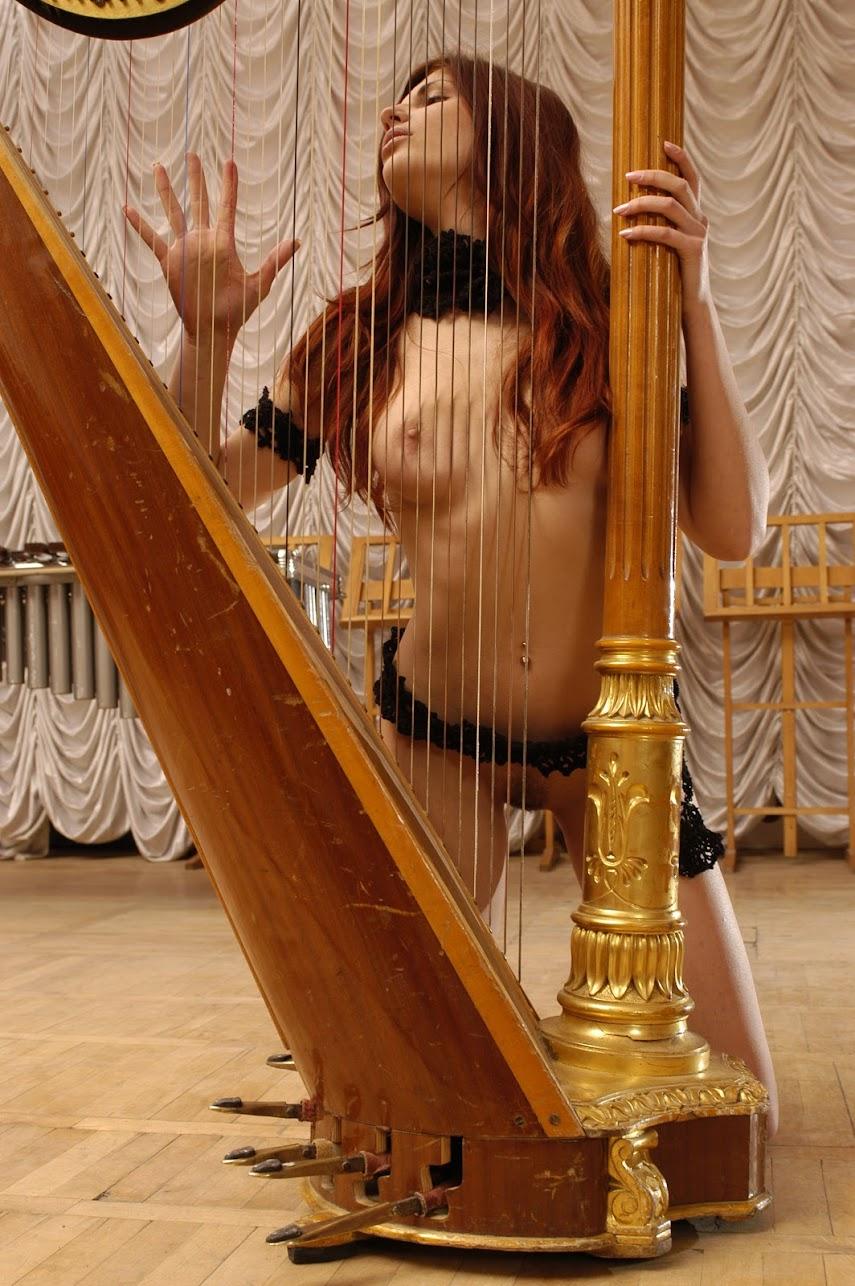 20040324_-_Tanya_I_&_Ulya_F_-_Harp_-_by_Goncharov.zip.MET-ART_sg_112_0005 Met-Art 20040326 - Katya B & Lucia B - Little Secrets - by Pasha