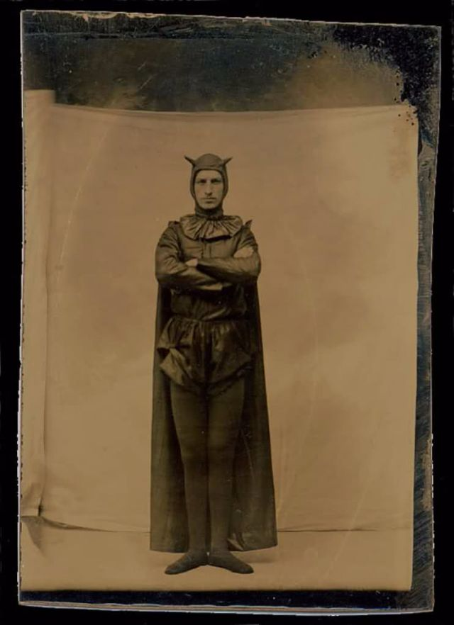 ... in Detective Comics #27 bat costumes were already popular for a long time with illustrations and photographs that date back at least until from 1887.  sc 1 st  Vintage Everyday & Before Batsuits u2013 14 Interesting Vintage Portrait Photos of People ...