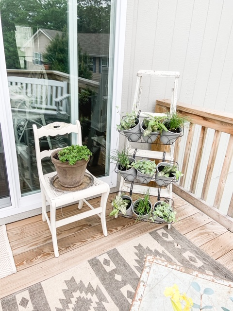 DIY ladder plant holder