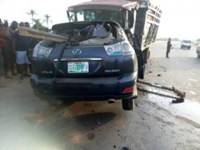The Federal Road Safety Corps (FRSC) has attested that one person passed on in a head-on crash between two vehicles which happened along Onitsha-Nteje Expressway in Anambra on Saturday.