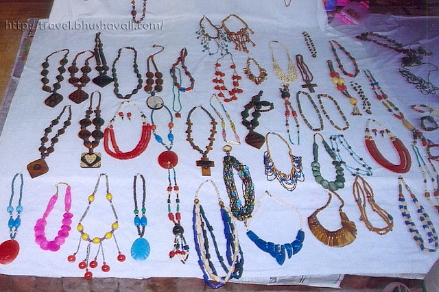 Handicrafts Shopping at New Delhi