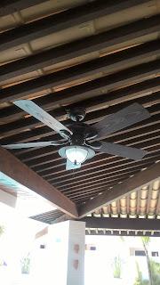Amenize o calor e economize energia com ventilador de teto.