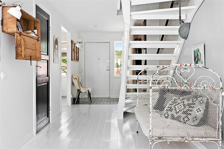 recibidor entrada decorar muebles vintage silla tolix interiorismo barcelona alquimia deco