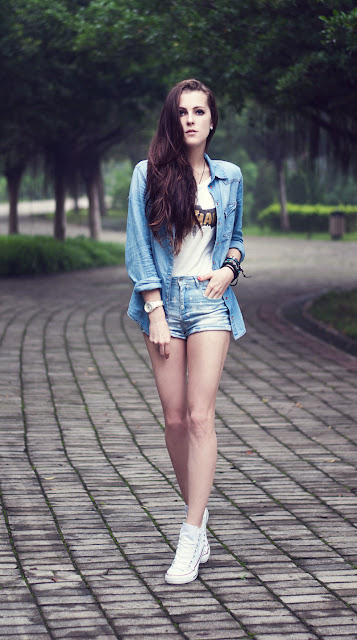 shorts e camicia in denim