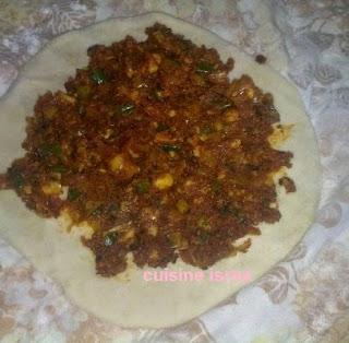 المطبقة التونسية, المطبقة القفصية,مطبقة أكلة شعبية,طريقة تحضير المطبقة التونسية,وصفة المطبقة التونسية  , خبزة مطبقة , المطبقة التونسية الأكلة الشعبية