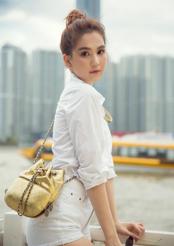 Ngọc Trinh diện quần short, váy ngắn hàng hiệu dạo phố Sài Gòn -8