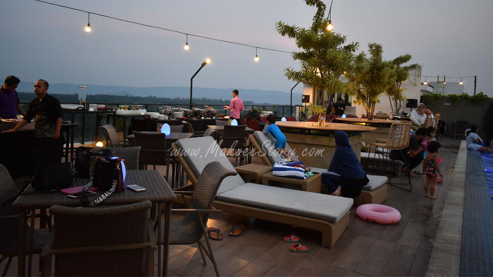Nongkrong Di Vue Bar Rooftop Kitchen And Lounge Satoria