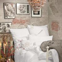 Dormitorios con paredes de piedra