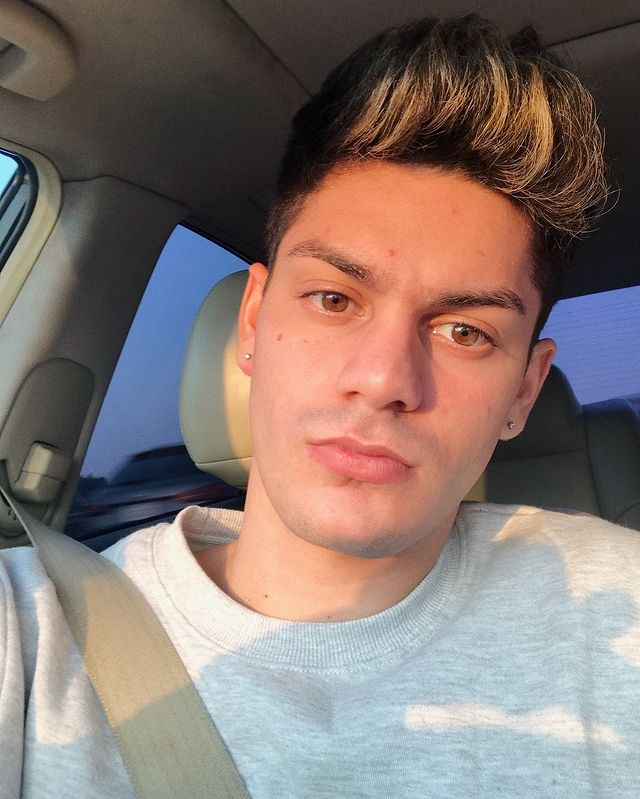 Edwin Burgos Wiki, Bio, Age, Height, Weight, Boyfriend, and Net Worth