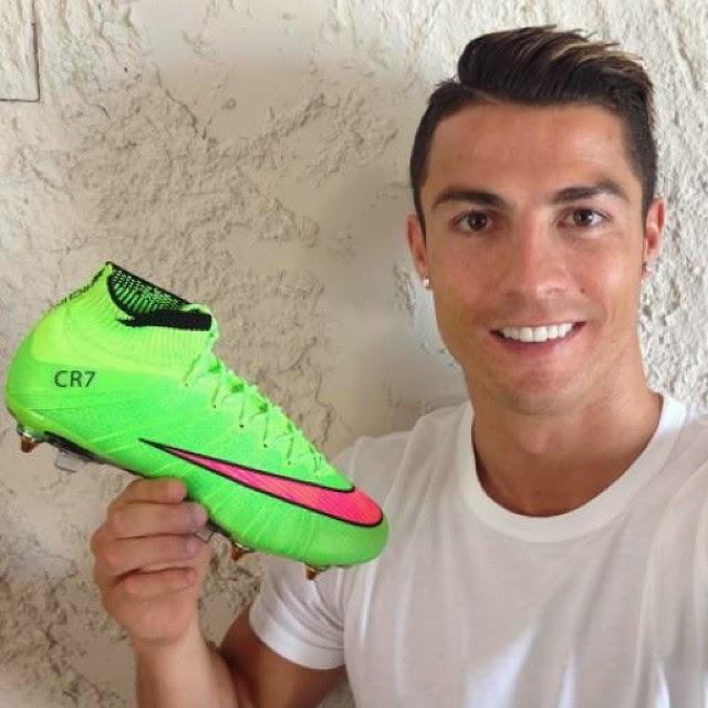 761e273db4970 Cristiano Ronaldo exibe nova chuteira de patrocinadora ~ FutGestão