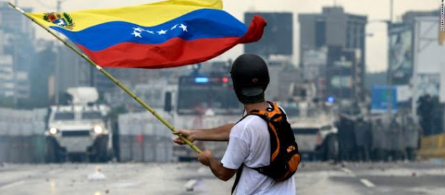 LEONARDO BECERRA: «LOS VENEZOLANOS ESTAMOS OBLIGADOS A DESOBEDECER»