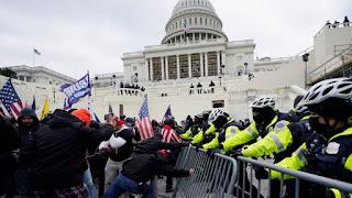 رفع جلسة مجلس الشيوخ الأميركي بعد اقتحام مبنى الكونغرس ( فيديو)