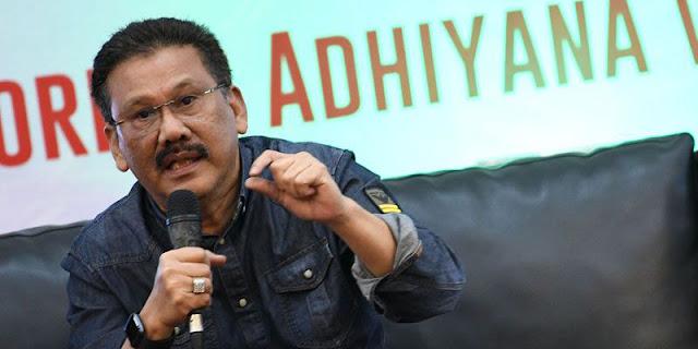 "Geger Meme ""Jokowi, The King Of Lip Service"" Menyeret Ari Kuncoro Dan Erick Tohir"