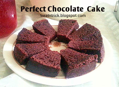 Perfect Chocolate Cake Recipe @ treatntricl.blogspot.com