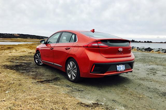 2017 Hyundai Ioniq Hybrid rear