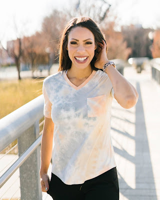 zyia tie-dye t shirt, zyia active go to t, zyia t shirt review, zyia go to tee, zyia go to pocket v, buttery soft t shirt, closet staple t shirt