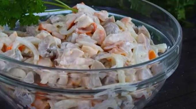 Салат з трьох продуктів: готуємо смачно за пару хвилин